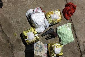 Thu giữ 11 kg ma túy tổng hợp
