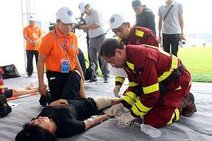 Phối hợp diễn tập thực binh ứng phó về y tế trong thảm họa
