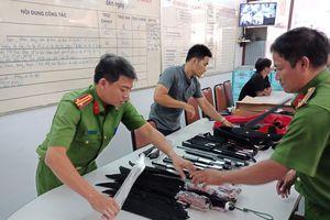 Bắt kho 'hàng nóng' tại trung tâm TP HCM