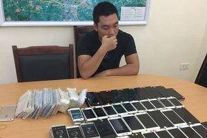 Thu giữ gần 300 điện thoại di động nhập lậu