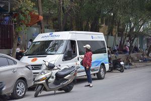 Xe khách 'trá hình' vẫn lộng hành tại Hà Nội