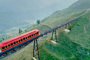 Tuyến tàu hỏa leo núi dài nhất Việt Nam chính thức hoạt động từ 31/3