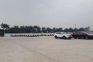 Hà Nội: Bãi xe không phép 'ung dung' hoạt động trên đất dự án