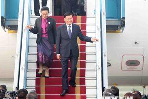 Hình ảnh Thủ tướng Lào đến Hà Nội tham dự Hội nghị GMS 6, CLV 10