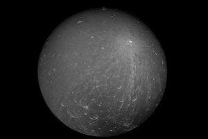 Tiết lộ thú vị về Mặt trăng Dione của sao Thổ