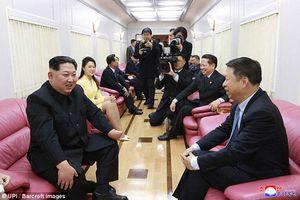 Cận cảnh con tàu bí ẩn chở Chủ tịch Kim Jong Un và Phu nhân