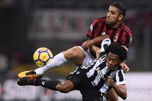 Napoli hy vọng Milan cầm chân Juventus