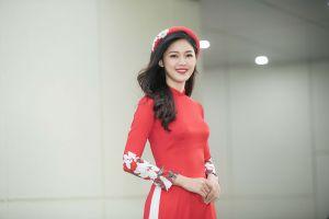 Á hậu Thanh Tú dẫn chương trình chuyên về y tế của VTV