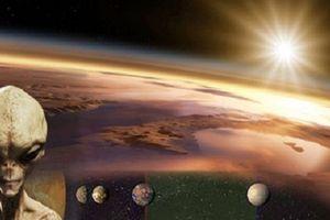 Các nhà khoa học phỏng đoán người ngoài hành tinh đang tò mò về lượng nước và Oxy của Trái Đất