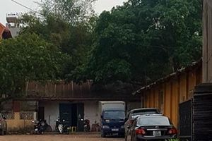 Lạng Sơn: Xưởng sản xuất pin bốc mùi khét lẹt giữa khu dân cư