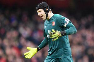 Petr Cech chỉ ra điểm yếu của Arsenal
