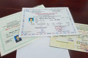 Tiến sĩ rởm dùng hàng loạt bằng giả xin việc ở Đà Nẵng