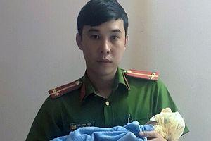 Một bé gái sơ sinh bị bỏ rơi ven đường