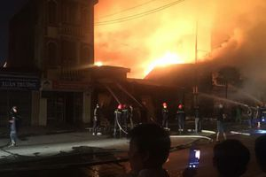 Hải Phòng: Xưởng gỗ phát hỏa khiến nhiều người phát hoảng