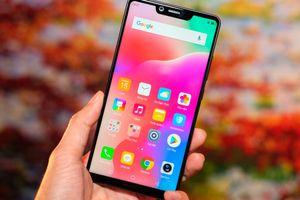Sharp ra mắt mẫu smartphone tràn viền thứ 30