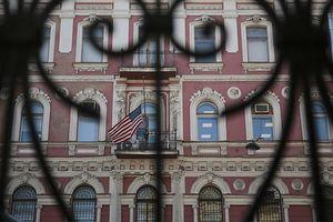 Nga phản đòn trục xuất 60 nhà ngoại giao Mỹ, Mỹ thề đáp trả
