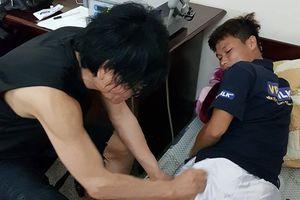 Bác sĩ của cựu sao MU sang Việt Nam thăm khám cầu thủ HAGL