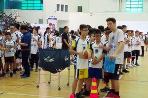 Hội trại Bóng rổ JR.NBA 2018 thu hút gần 1.000 trẻ em Hà Nội
