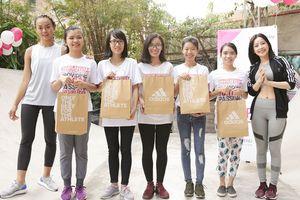 Mai Ngô, Chi Pu đồng hành cùng tinh thần thể thao của các sinh viên nữ