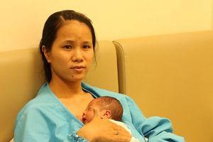 Bác sĩ hướng dẫn chăm sóc trẻ sinh non tại nhà