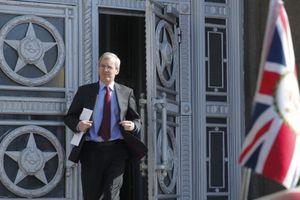 Nga: Anh phải 'đón' hơn 50 nhà ngoại giao trở về
