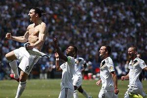 Ibra lập siêu phẩm đánh dấu sự trở lại trong ngày ra mắt LA Galaxy