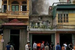 Thái Bình: Cháy cửa hàng sửa chữa ô tô, 1 xe bị thiêu rụi