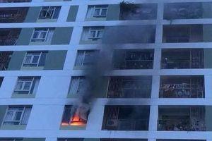 Lại cháy chung cư ở Sài Gòn, cư dân hoảng loạn tháo chạy