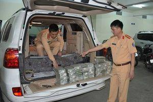 Quảng Ninh: Cảnh sát giao thông bắt vụ vận chuyển 100 bánh heroin
