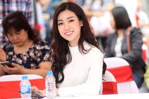 Hoa hậu Đỗ Mỹ Linh trao giải chặng 4 Cúp Truyền hình