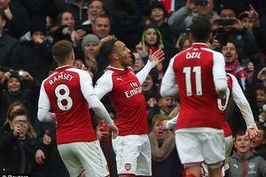 'Người dơi' Aubameyang chói sáng, Arsenal thắng '3 sao'