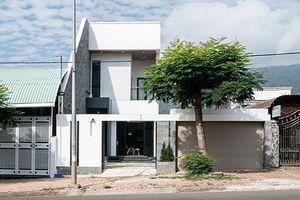 Nhà 2 tầng đẹp khác lạ giữa vùng quê Đồng Nai