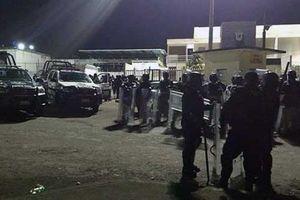 Mexico: Tù nhân khống chế, phóng hỏa chết 6 cảnh sát