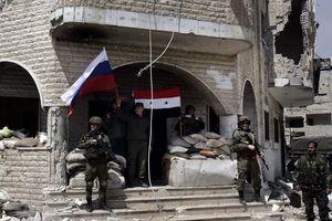 Phiến quân sơ tán khỏi thành trì cuối cùng ở Đông Ghouta