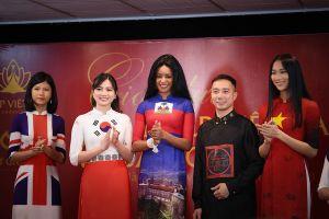Giới thiệu áo dài Việt Nam in quốc kỳ 42 nước tại LHP Cannes