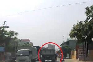 Clip: Tránh xe đi ngược chiều, thanh niên suýt chết dưới bánh xe tải