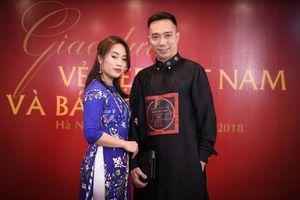 Vợ chồng Chí Anh sánh đôi tham dự sự kiện Vẻ đẹp Việt Nam 2018