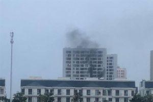 Lại cháy chung cư ở Sài Gòn, dân vội tháo chạy