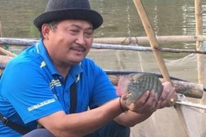 LẠ MÀ HAY: Khơi khe đá thành ao nuôi cá, lãi 300 triệu/năm