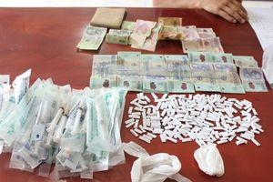 Quảng Ninh: Đang vận chuyển 200 gói ma túy thì bị bắt giữ