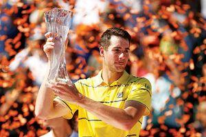 Những cột mốc của John Isner ở lần đầu vô địch Miami Open