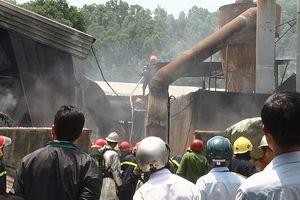 Đà Nẵng: Lửa thiêu rụi một xưởng sản xuất gỗ ở quận Cẩm Lệ