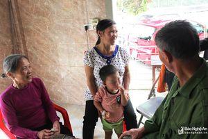 Vụ bé trai 2 tuổi ở Nghệ An bị bạo hành: Không xử lý hình sự cha dượng