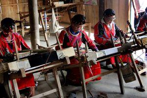 Độc đáo nghề dệt thổ cẩm của người Pà Thẻn