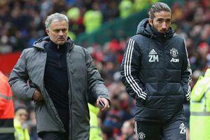 Mourinho bất ngờ đưa con trai lên ban huấn luyện MU