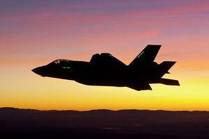 Các chiến đấu cơ hàng đầu Mỹ khó liên lạc khi tác chiến trên không
