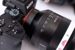 Sony công bố máy ảnh A7 III với số điểm lấy nét 'khủng', nháy 'siêu tốc'