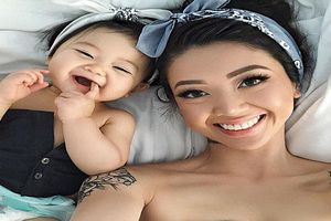 Cặp mẹ con xinh đẹp ngất ngây, thấy là yêu hot nhất mạng xã hội