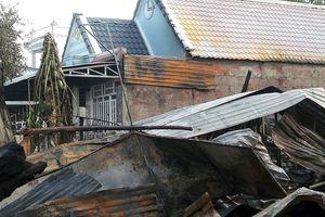 Ba căn nhà ở huyện U Minh Thượng bị thiêu rụi trong đêm