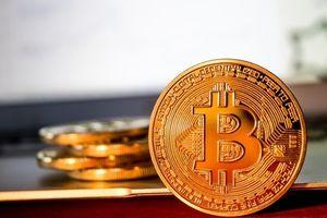 Giá Bitcoin hôm nay 4/4/2018: Bitcoin tăng 500 USD, nhà đầu tư thở phào